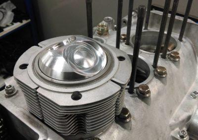 moteur porsche 911 2L piston CP dans cylindre
