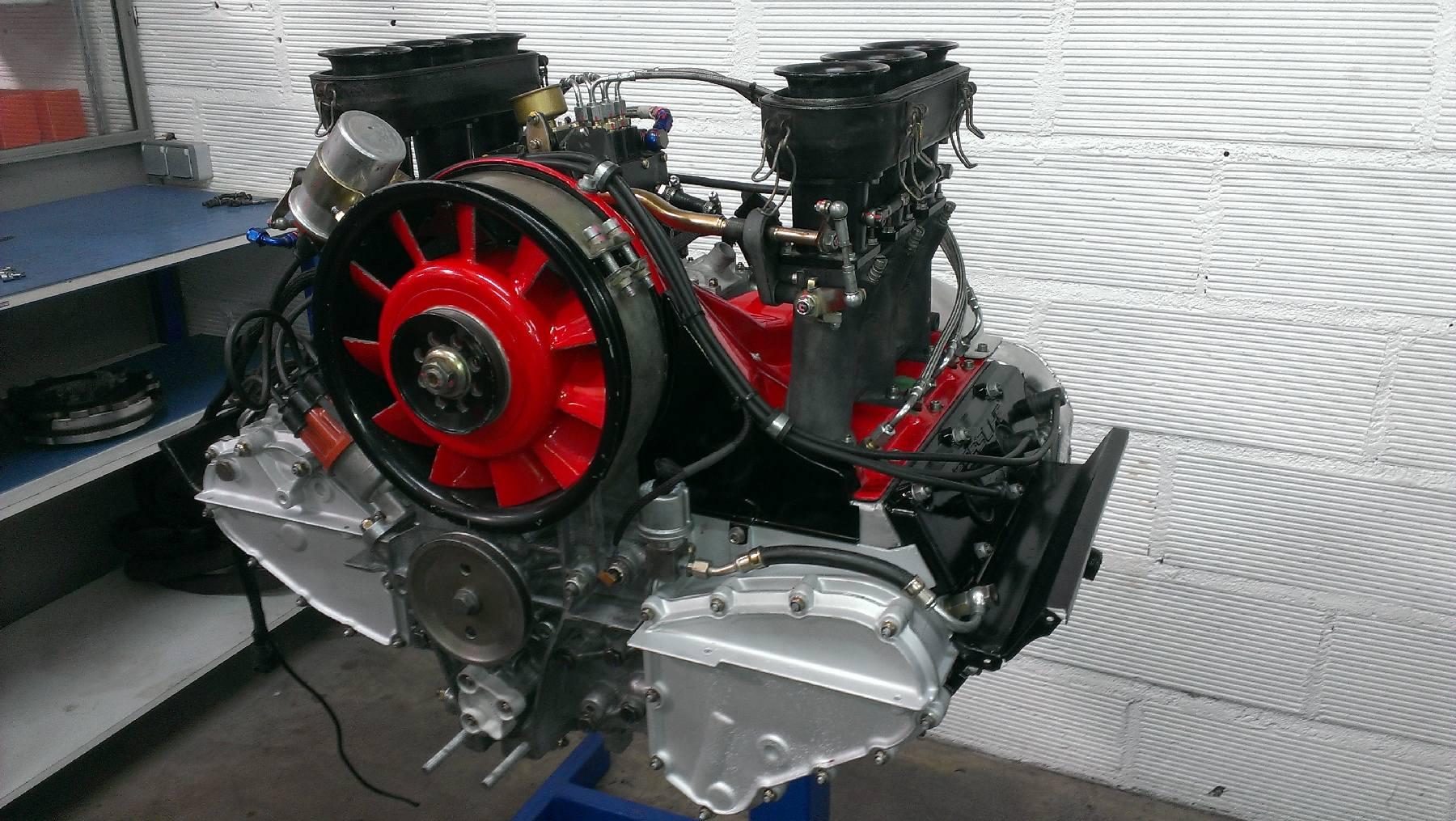 moteur porsche 911 3L SC 1024